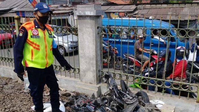 Terobos Palang Pintu, Pengendara Sepeda Motor Tewas Tertabrak Kereta Api di Perlintasan Bojonggede