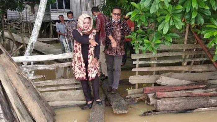 BREAKING NEWS Tiga RT di Desa Pulau Kayu Aro Sudah Digenangi Banjir Sungai Batanghari