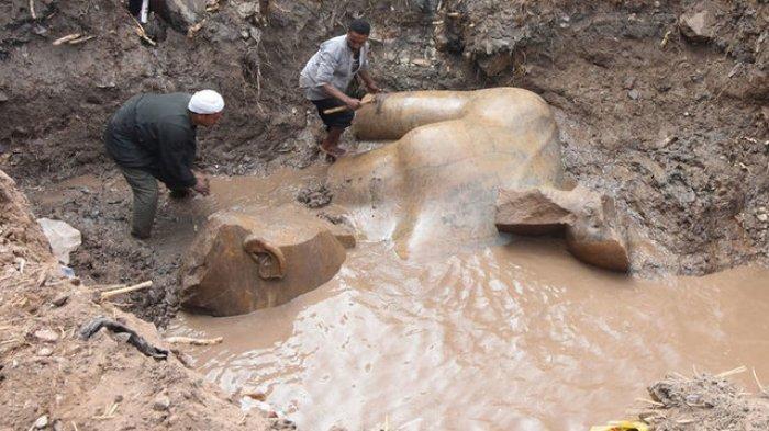 Baru, Penampakan Penemuan Dua Patung Firaun 8 Meter Berusia 3.000 Tahun Lebih