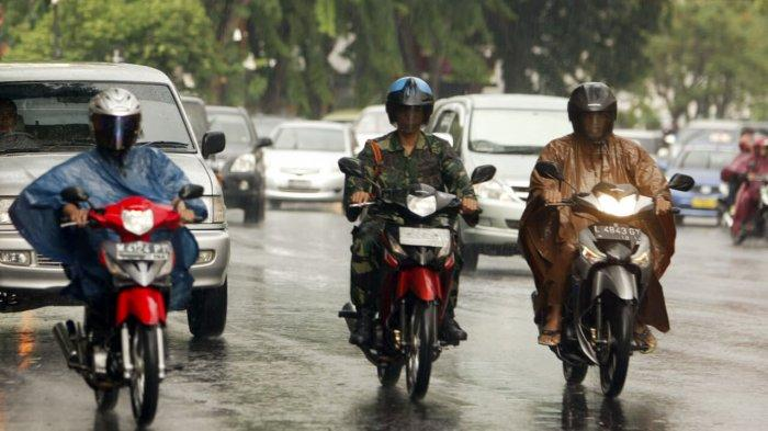 Masyarakat Jambi Diminta Waspadai Hujan Ringan Hingga Lebat Diprediksi Terjadi Tiga Hari ke Depan