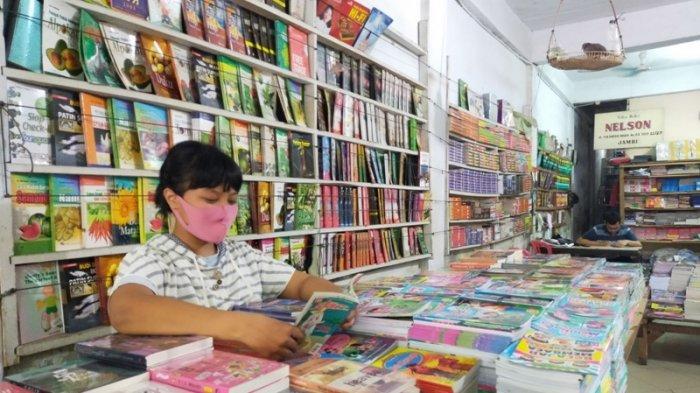 Sejarah Toko Buku Hottong, Toko Buku Lama di Kota Jambi yang Berdiri Sejak 1987