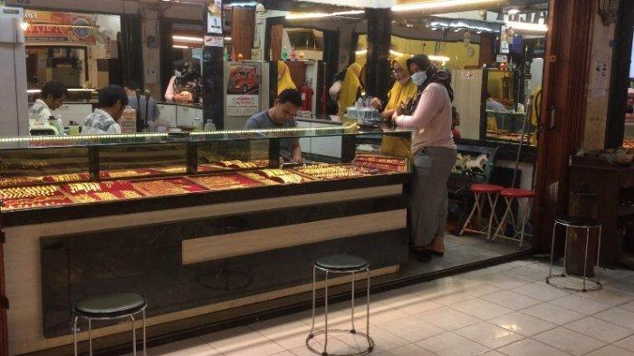Harga Emas di Toko Mas Makmur Pasar Kramat Tinggi Stabil, Daya Beli Masyarakat Alami Peningkatan