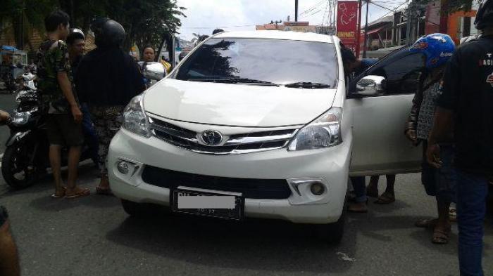 Warga Bathin VIII Nekat Gadaikan Mobil Pinjaman Setelah Setahun Digunakan
