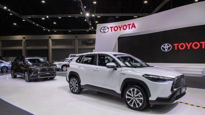 Toyota Corolla Cross saat tampil di ajang Bangkok Motor Show 2020