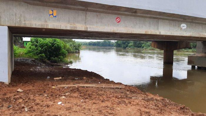 BREAKING NEWS Warga Temukan Mayat Laki-laki Hanyut di Sungai Batang Tebo