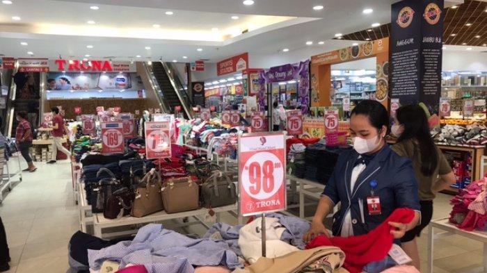 Trona JPM Banjir Diskon 50 Hingga 75 Persen, Mulai dari Baju Wanita, Pria dan Anak-anak