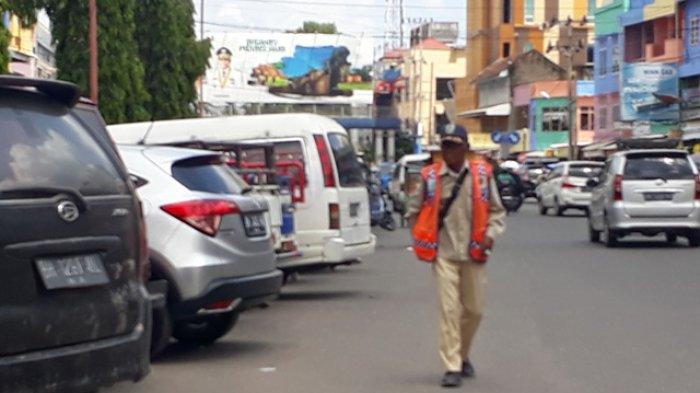 Warga Ini Laporkan Diminta Bayar Parkir 2 Kali di Pasar Simpang Bata,Ini Jawaban Kadishub Kota Jambi