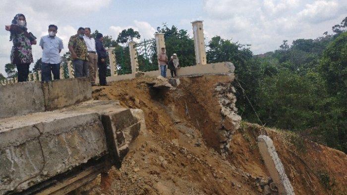 Turap MTQ Ambruk, DPRD Bungo Minta Kontraktor Tanggung Jawab