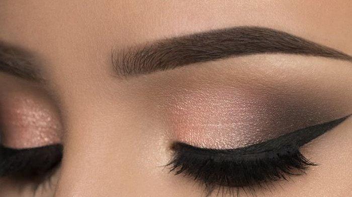 TUTORIAL Makeup Area Mata untuk Pemula, Cuma Butuh 5 Menit dan Sangat Praktis