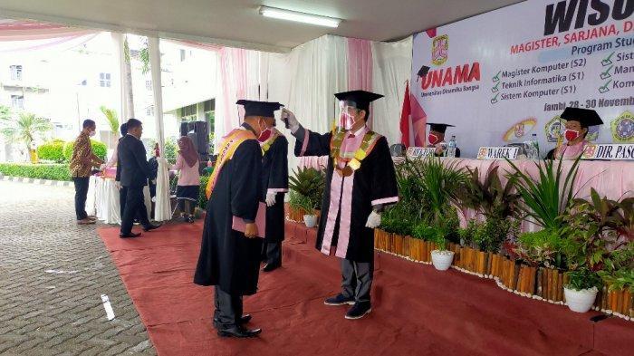 UNAMA Gelar Drive Thru Graduation di Masa Pandemi, 536 Mahasiswa Diwisuda