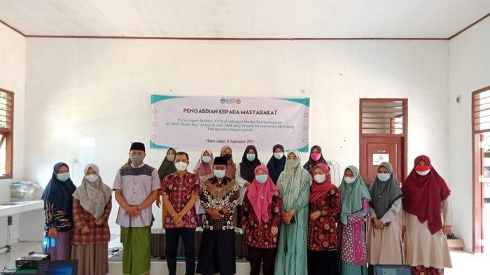 Dosen Pendidikan Fisika FKIP Unja Latih Guru di SMP & SMK Islam Asy'ariyyah Ibru Muarojambi