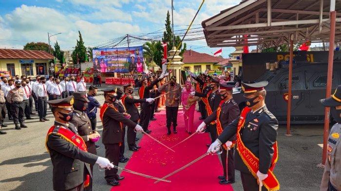 Polres Kerinci Gelar Upacara Welcome and Farawell Parade Sertijab Kapolres