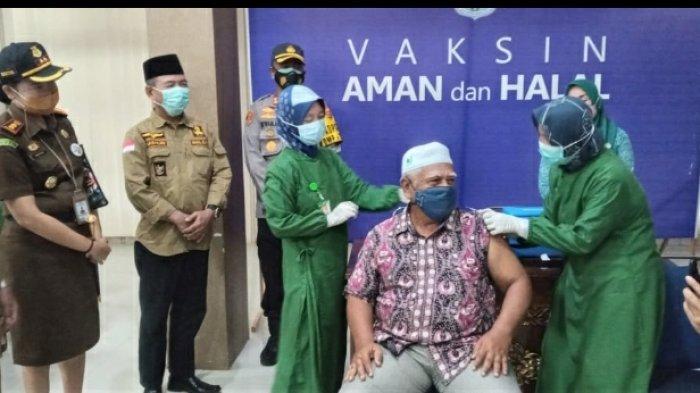 Vaksinasi Massal Lansia Dilakukan di Merangin,  Wabup Sebut Bisa Capai Target 12.500 Lansia
