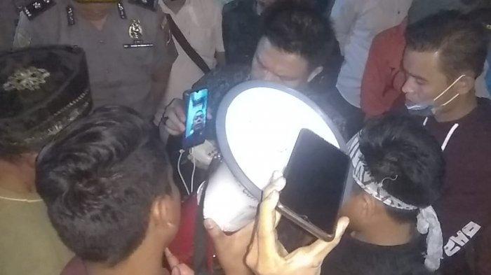 Video Call dengan Pendemo, Bupati Al Haris Janji akan Datang ke Batang Kibul, Merangin