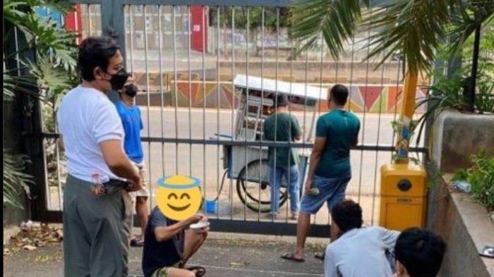 Foto Viral Diduga Pasien Covid-19 Pesan Bakso Gerobak, Netizen: Yang Bikin Story kok Diem Aja?
