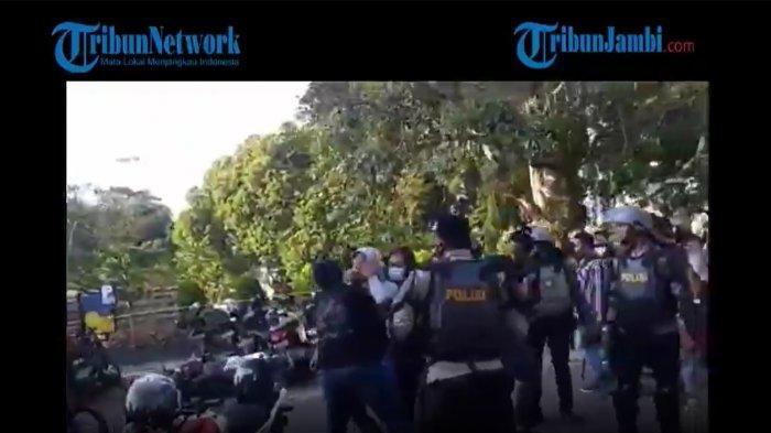 VIDEO Anggota Sabhara Vs Perwira Polisi di Jambi Saling Pukul Viral, Mabes Polri Sampai Ikut Bicara