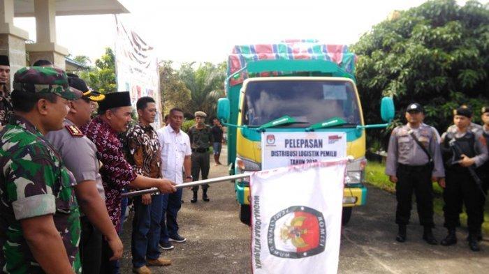 Distribusi Logistik Pemilu 2019, Wabup Sarolangun Jambi: Jangan Golput, Jangan Lagi Debat-debat