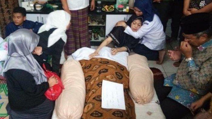 Diduga Tewas Dianiaya Senior hingga Disuruh makan Kulit Jeruk, 5 Fakta Kematian Aurellia Qurrataini