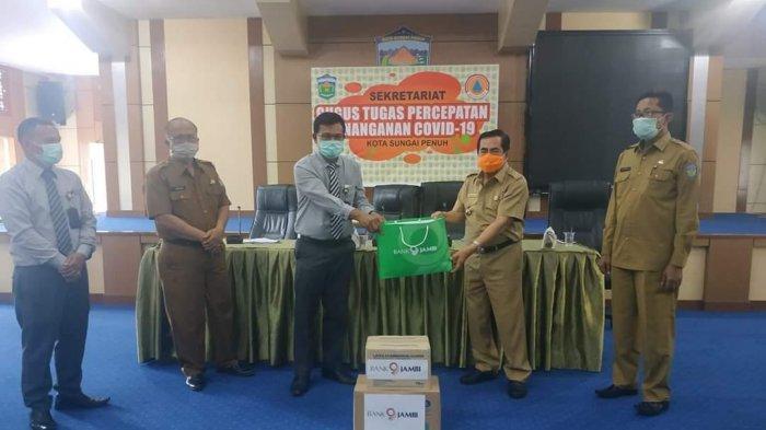 Walikota AJB Terima Bantuan APD dari Bank Jambi Cabang Sungai Penuh
