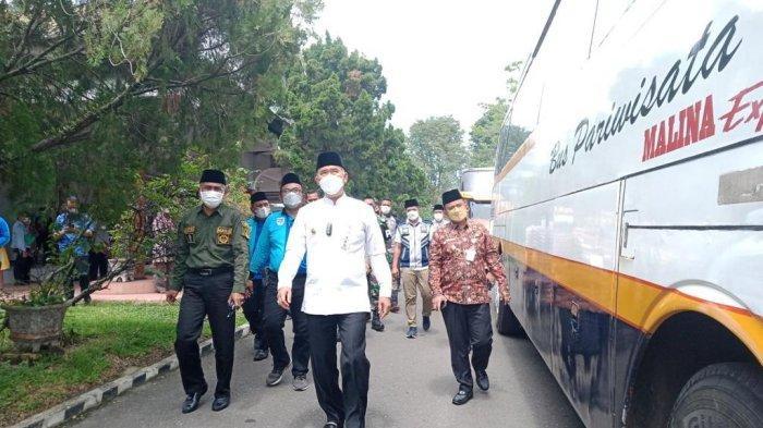 Wali Kota Jambi Lepas 110 Kafilah untuk MTQ ke-50 di Tanjab Barat