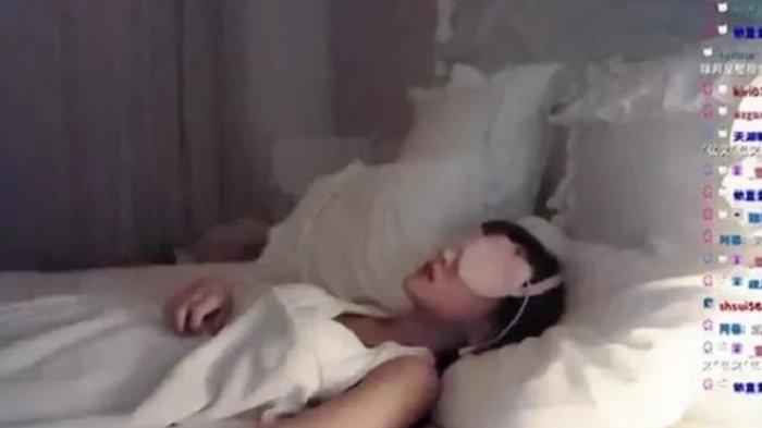 Lakukan Siaran Langsung Tidur Selama 5 Jam, Gadis Ini Raup Untung Rp 42 Juta Berujugn Kontroversi