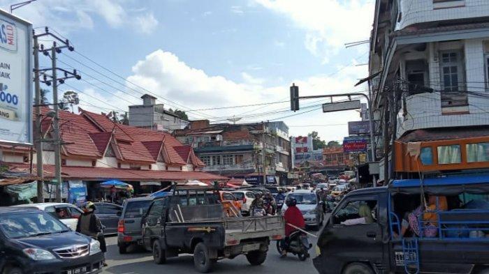 Jelang Puasa, Warga Bangko Berjubel Menyerbu Pasar Beli Stok Bahan Makanan Selama Ramadhan