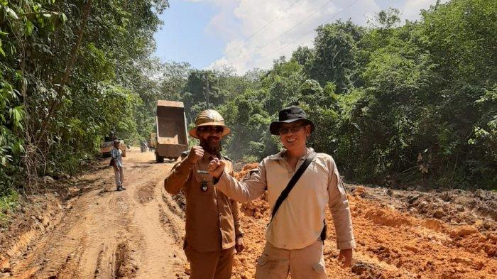 Warga Mudung Darat Muarojambi Kesal Hingga Tebang Pohon untuk Tutup Jalan yang Hancur