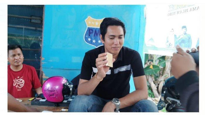 Lempengan Diduga Emas Batangan Gambar Soekarno di Tebo BIkin Heboh, Erwin Temukan di Jalan