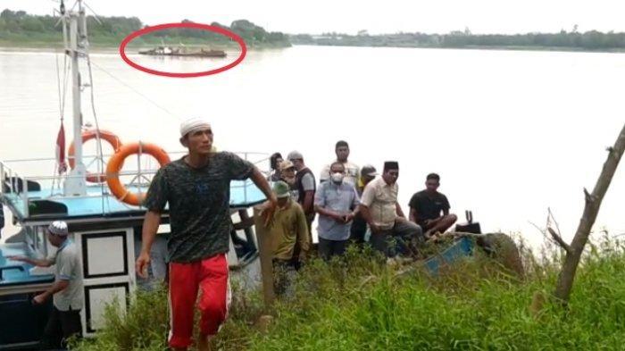 Warga Desa Senaung dan Penyengat Rendah Tolak Kapal Penambang Pasir Ilegal di Sungai Batanghari