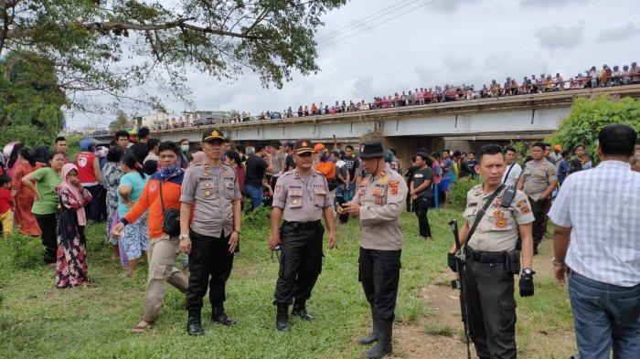 Jenazah Korban Hanyut di Sungai Batang Tebo sudah Dibawa ke Rumah Duka,