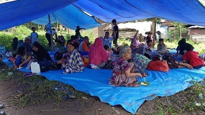 Khawatir Gempa Susulan, Ratusan Warga Majene Tinggalkan Kampung, Masih Bertahan di Tenda Pengungsian