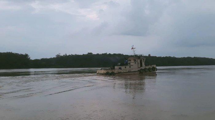 Geram dengan Aktivitas Tambang Pasir Diduga Ilegal, Warga Sekernan Hentikan Kapal Penambang