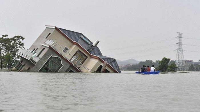 Kelakuan Dosen Menyindir Seorang Mahasiswa Tak Bisa Ikut Ujian karena Banjir, Sungguh Menyakitkan