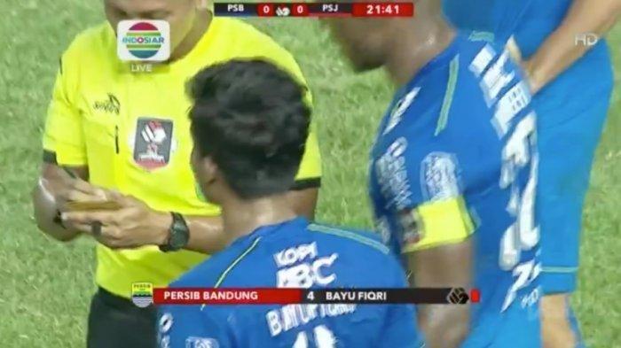 Hasil Laga Persib vs Persija di Babak Pertama Masih 0-0, Persib Main dengan 10 Orang Pemain