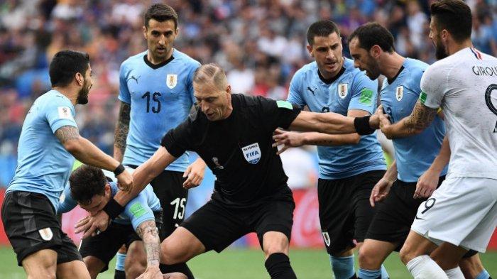 Sudah Tau Wasit untuk Final Piala Dunia 2018? Ini Dia Nestor Pitana, Ternyata Dia Bintang Film Loh