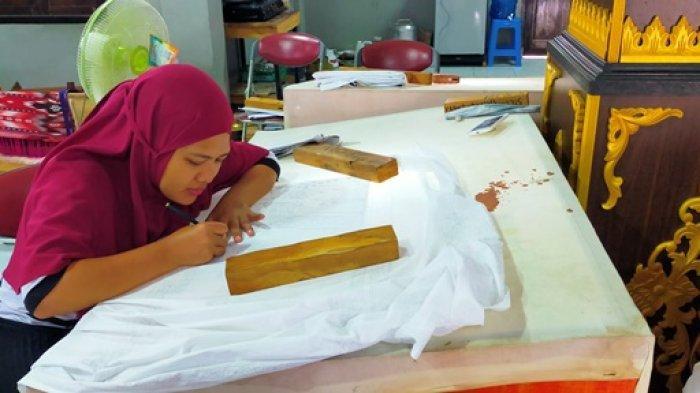 Wisata Edukasi Rumah Tenun Danau Sipin, Belajar Membatik Rp 50 RIbu, Makan di Atas Danau Sipin