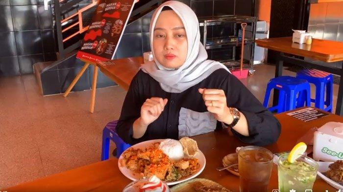 Wisata Kuliner Jambi: Mencicip Lezatnya Makanan di Pitek Obong