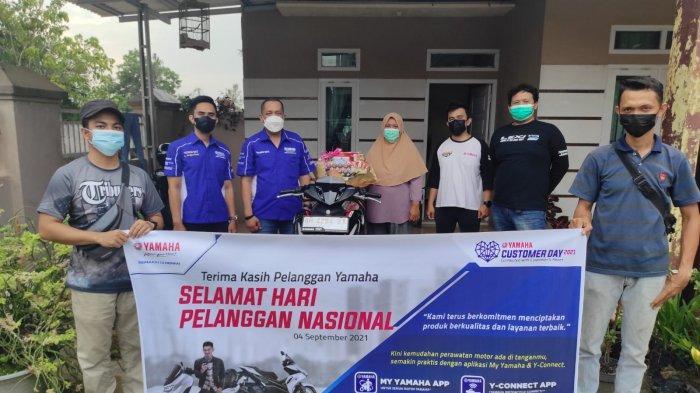 Yamaha DDS Jambi Visit dan Berikan Spesial Give di Hari Pelanggan Nasional