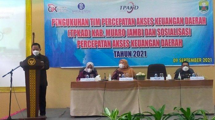 OJK Hadiri Pengukuhan TPKAD Muarojambi dan Sosialisasi Percepatan Akses Keuangan Daerah