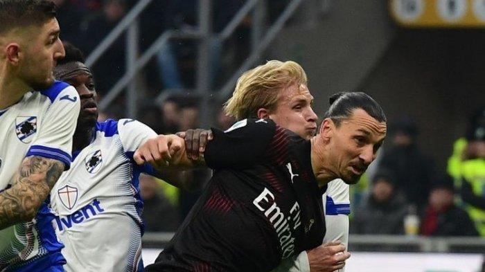 Zlatan Ibrahimovic (tengah-hitam) beraksi pada laga AC Milan vs Sampdoria dalam lanjutan pekan ke-18 Liga Italia di Stadion San Siro, Senin 6 Januari 2020