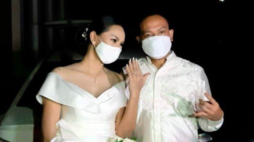 pernikahan-vicky-prasetyo-dengan-kalina-oktarani.jpg