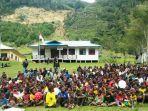 1051-warga-dari-delapan-kampung-di-distrik-balingga-kabupaten-lanny-jaya.jpg
