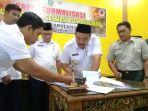 20122017-penandatanganan-dokumen-rencana-kontijensi-kebakaran-hutan-dan-lahan_20171220_200826.jpg