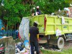 76armada-truk-sampah-di-batanghari.jpg