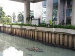 air-kotor-di-gedung-maritim_20170714_110215.jpg