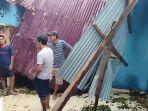akibat-angin-kencang-satu-rumah-permanen-milik-warga-desa-sekenan-muarojambi-tertimpa-pohon.jpg