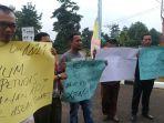 aksi-solidaritas-wartawan-tanjab-timur_20180807_153719.jpg