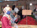 aktivitas-pedagang-pembeli-di-pasar-atas-sarolangun-h-1-ramadan.jpg