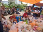 aktivitas-penjual-kue-kering-di-pasar-sengeti-kabupaten-muarojambi.jpg