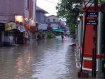 banjir-di-kota-jambi-jumat-211_20181102_203825.jpg